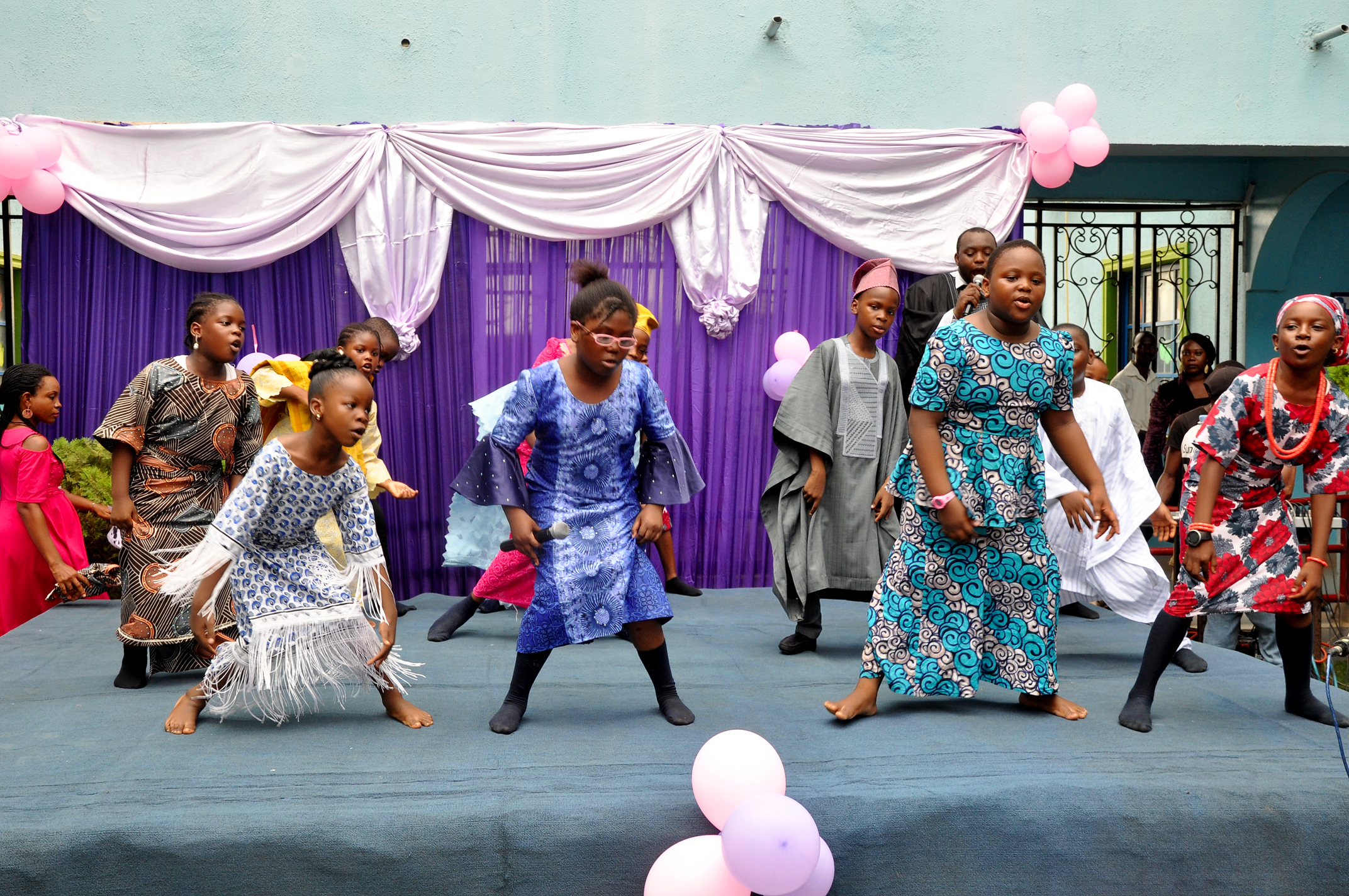 mothers_day_breakfast_dance_drama_geletying_orchestra_ronke_poshe_riverside_college (23)
